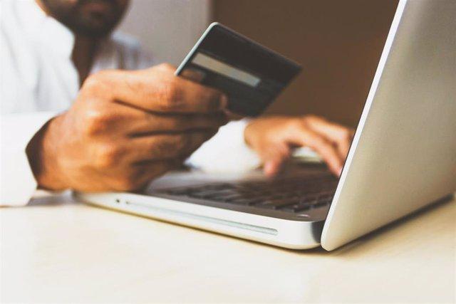 Economía/Finanzas.- Adicae detecta más de 200 tarjetas revolving con tipos de interés de hasta el 30%