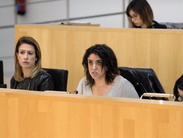Archivo - La diputada provincial del PSOE Desireé Cortes en un pleno de la Diputación de Málaga