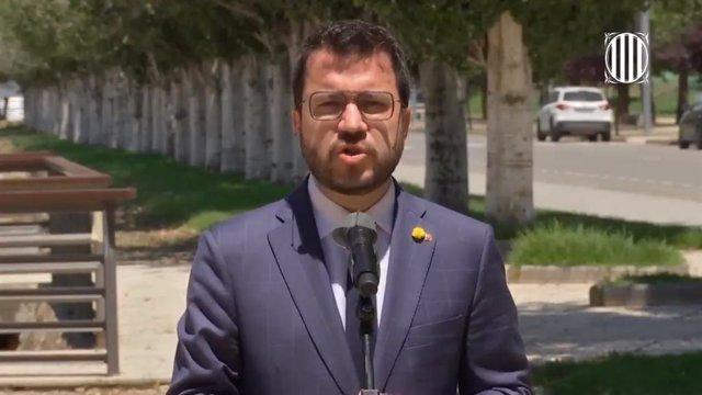 El president de la Generalitat, Pere Aragonès, compareix davant els mitjans a Amposta (Tarragona).