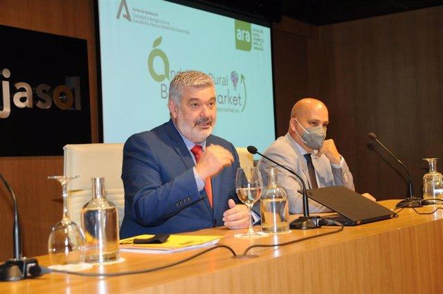 Archivo - El presidente de ARA y alcalde de Écija (Sevilla), David Javier García Ostos, y el CEO de la Red Business Market, Josu Gómez Barrutia, destacan las oportunidades de los territorios rurales de Andalucía.