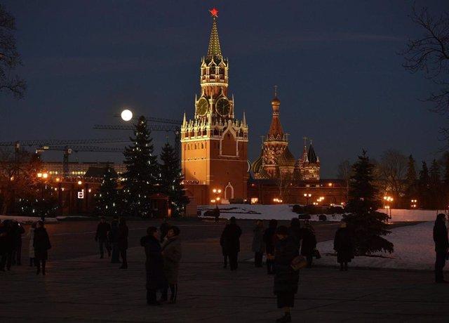 Archivo - El Kremlin y la plaza Roja de Moscú