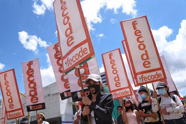 Pancartas de Fecode en las marchas antigubernamentales.