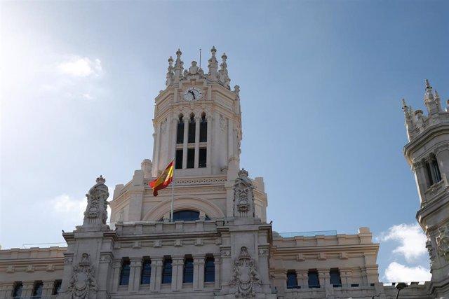 Archivo - Fachada del Palacio de Cibeles, actual ayuntamiento de Madrid.