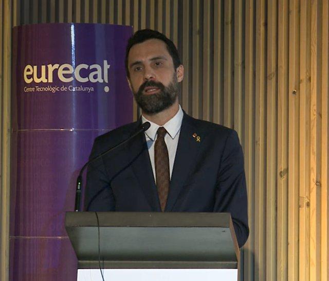 El conseller d'Empresa i Treball de la Generalitat, Roger Torrent, en la presentació de la novena edició del Fòrum TurisTIC