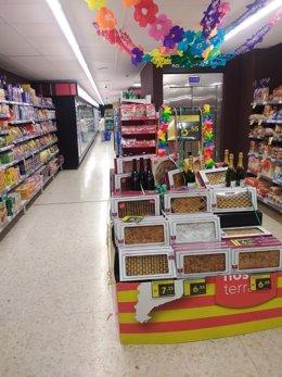 Coques de Sant Joan en un supermercat Caprabo.
