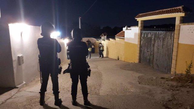 Agentes de la Policía Nacional en la operación antidroga desarrollada en diferentes puntos de la provincia