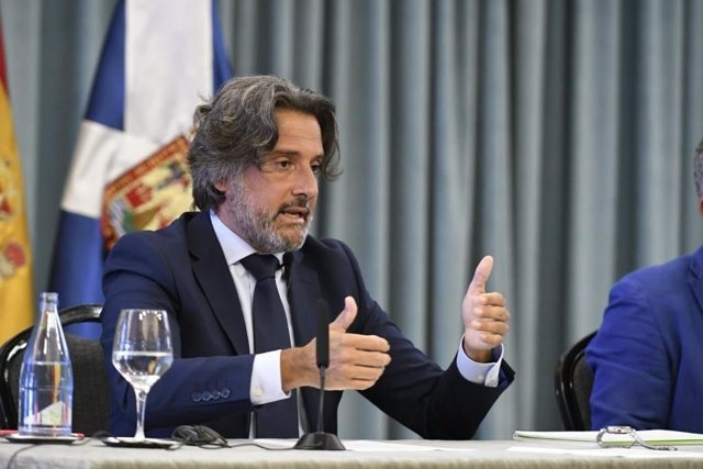El presidente del Parlamento de Canarias, Gustavo Matos