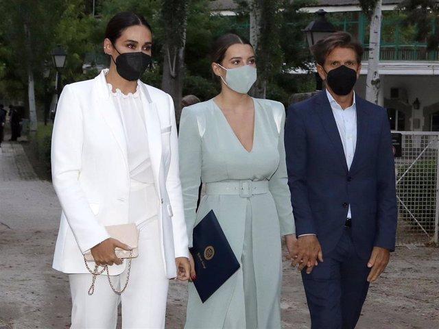 Vicky Martín Berrocal y Manuel Díaz no se quisieron perder la graduación de su hija Alba