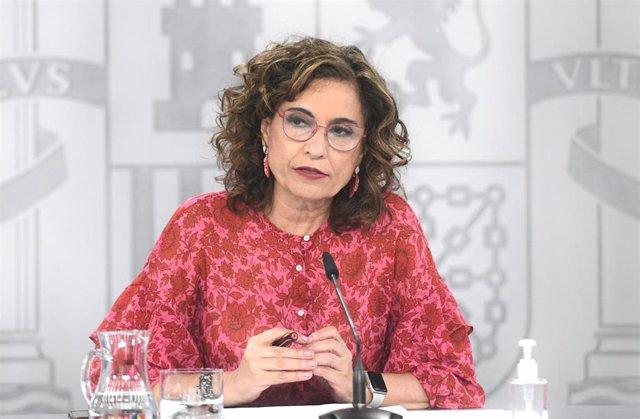 La ministra de Hacienda, María Jesús Montero, comparece en una rueda de prensa posterior al Consejo de Ministros, a 15 de junio de 2021, en La Moncloa, Madrid, (España)