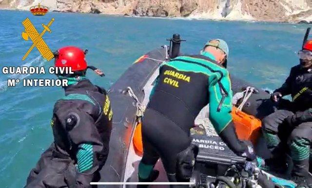 Especialistas de la Guardia Civil en un rescate