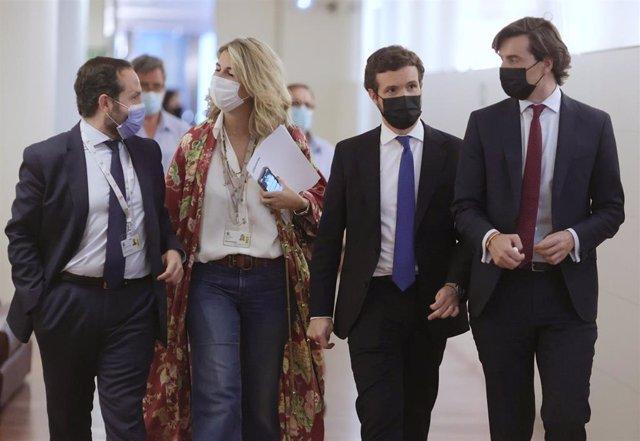 El líder del PP, Pablo Casado, a su llegada a la reunión del Grupo Popular en el Congreso con diputados y senadores. En Madrid, a 21 de junio de 2021, en Madrid (España).