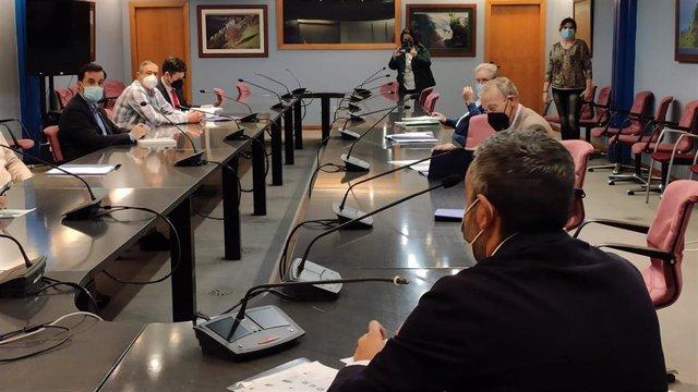 Archivo - Reunión de Alejandro Calvo con sindicatos