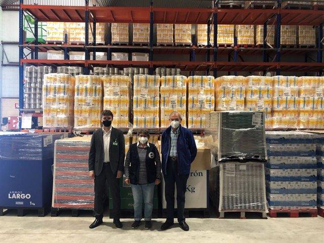 Mercadona dona más de 7.000 kilos de productos de primera necesidad a la Fundación Banco de Alimentos de Navarra.