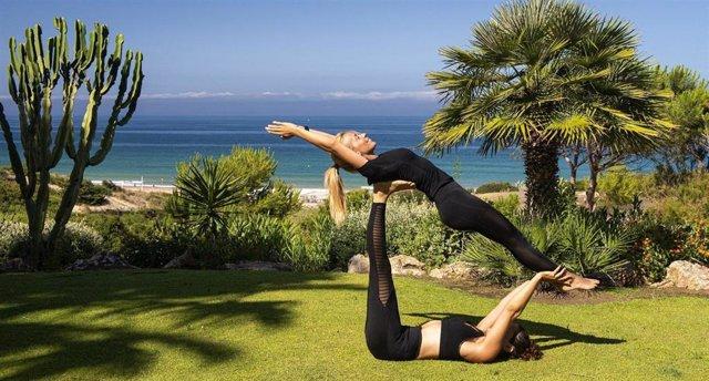 El yoga es una práctica ideal para este verano