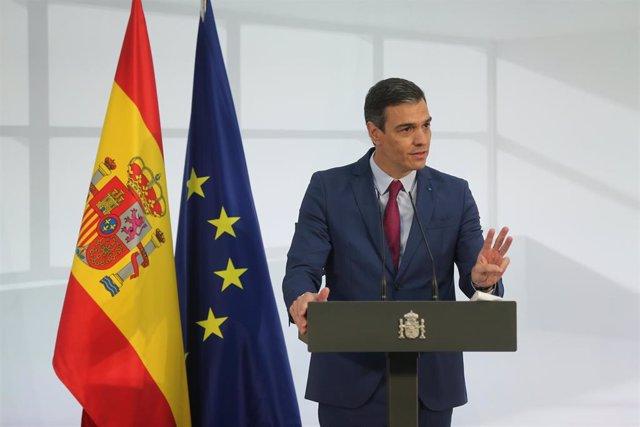 El presidente del Gobierno, Pedro Sánchez, interviene durante un acto de homenaje a la comunidad educativa, en La Moncloa, a 19 de junio de 2021, en Madrid (España)