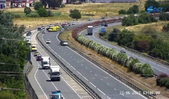 Zona del accidente en la A-4 a su paso por Córdoba.