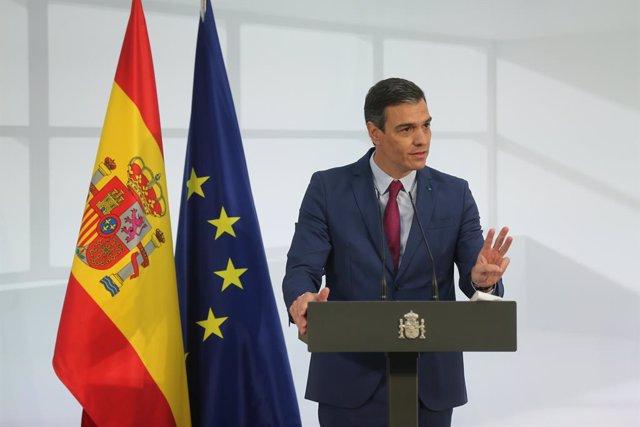 El president del Govern, Pedro Sánchez, intervé durant un acte d'homenatge a la comunitat educativa, en La Moncloa, a 19 de juny de 2021, a Madrid (Espanya)