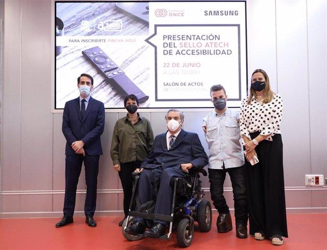 Samsung recibe la primera certificación de accesibilidad de Fundación ONCE para televisores, el sello ATECH en varios televisores y el Amovil en dispositivos móviles