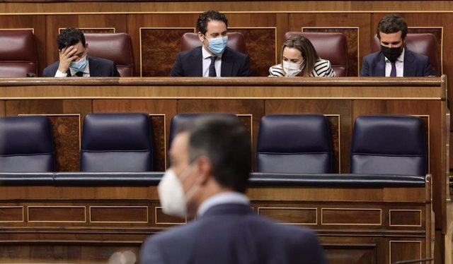 Arxiu - El president del Govern espanyol, Pedro Sánchez, intervé en una sessió de control al Govern central al Congrés.