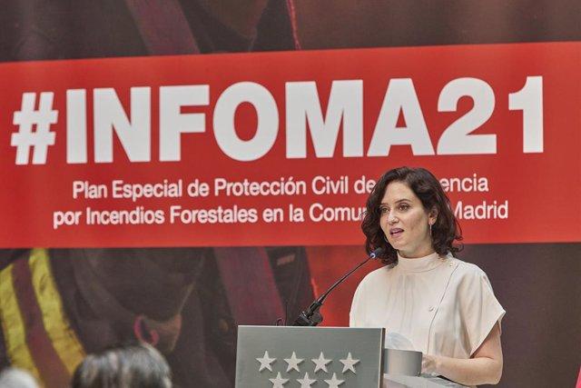 La presidenta de la Comunitat de Madrid, Isabel Díaz Ayuso, durant la presentació del Pla de Protecció Civil contra Incendis Forestals a la Comunitat de Madrid (Pla INFOMA) 2021 a la Reial Casa de Correus, el 22 de juny del 2021, a Madrid (Espanya).
