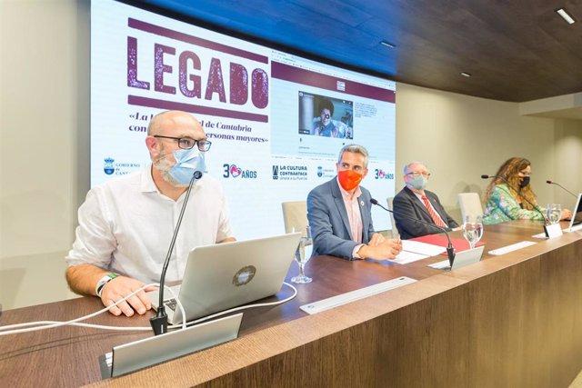 El vicepresidente y consejero de Universidades, Igualdad, Cultura y Deporte, Pablo Zuloaga, presenta el proyecto 'Legado'.