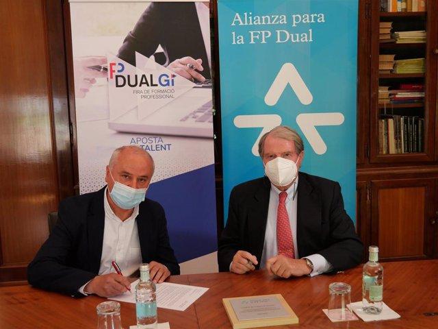 El presidente de la Cámara de Girona, Jaume Fàbrega i Vila, y el vicepresidente de la Fundació Bertelsmann, Francisco Belil