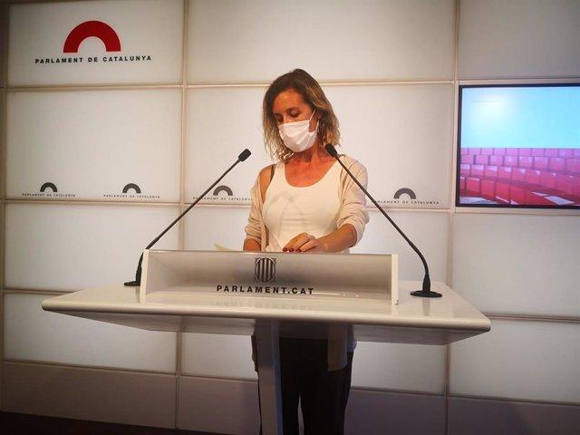 La diputada de la CUP al Parlament Laia Estrada en una roda de premsa