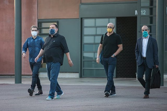 Ordi Cuixat, Oriol Junqueras, Raül Romeva y Jordi Turull salen de la prisión de Lledoners por primera vez con la semilibertad