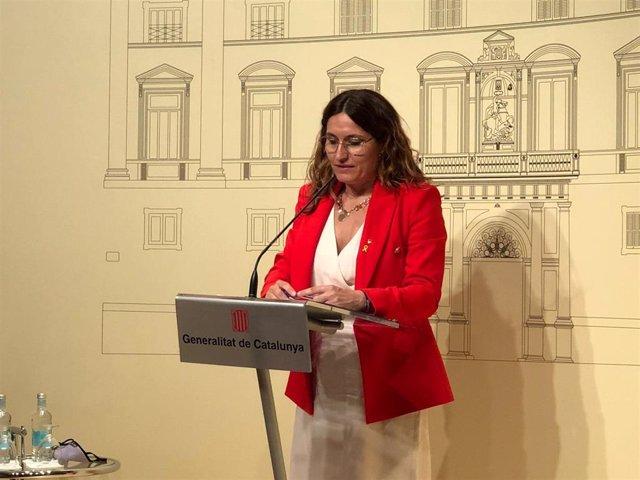La consellera de la Presidencia de la Generalitat, Laura Vilagrà, en rueda de prensa en la Generalitat el 21 de junio de 2021.