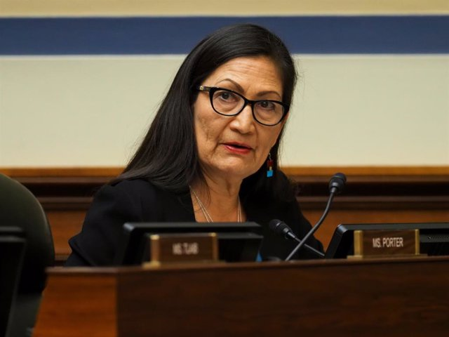 Archivo - FILED - 26 February 2020, US, Washington: Deb Haaland, Democratic congresswoman, attends a Congressional hearing during Black History Month on the civil rights movement and protecting the right to vote. Haaland will be the first Native American