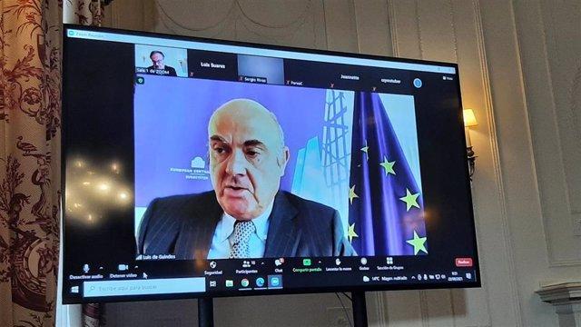 El vicepresidente del BCE, Luis de Guindos, en el seminario 'La economía de la pandemia' organizado por APIE y BBVA en la Universidad Internacional Menéndez Pelayo (UIMP) de Santander.