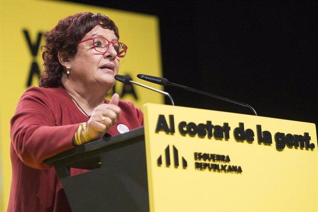 Archivo - La exconsellera Dolors Bassa interviene durante un acto central de campaña electoral en Girona, Cataluña (España), a 7 de febrero de 2021. El partido ha decidido cambiar la localización del acto, de Barcelona a Gerona para atraer el voto que más