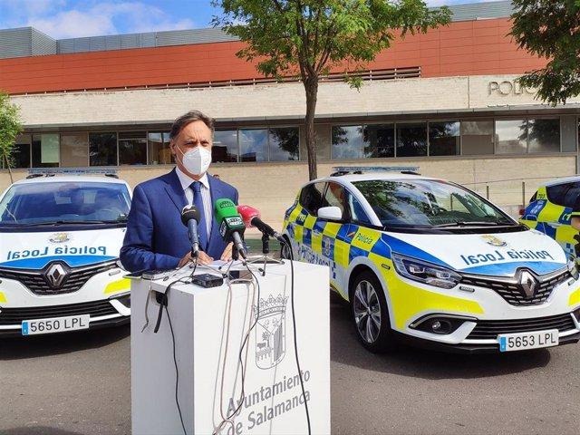 El alcalde de Salamanca este miércoles en las dependencias de la Policía Local.