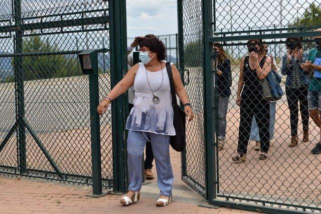 L'exconsellera de Treball, Afers Socials i Famílies de la Generalitat Dolors Bassa (ERC) surt de la presó de Puig de les Basses.