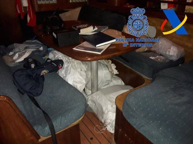 Parte de la droga incautada por la Policía Nacional y la Agencia Tributaria en la 'Operación Sueños-Candado'.