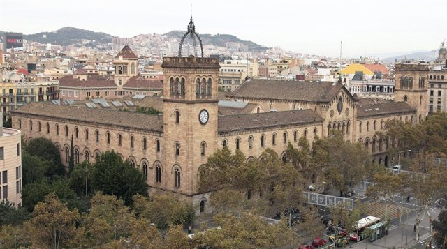 Archivo - Edificio histórico de la Universitat de Barcelona