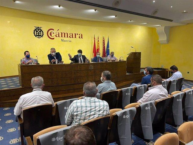 Reunión del Círculo del Agua con el presidente del Scrats, Lucas Jiménez; y el presidente del Ejecutivo murciano, Fernando López Miras
