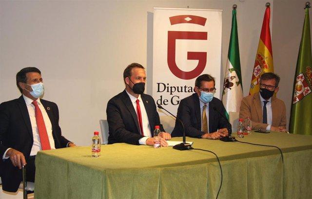 Reunión entre Turismo y los empresarios del sector