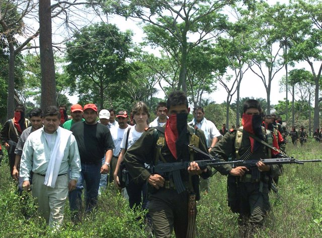 Archivo - Guerrilleros del Ejército de Liberación Nacional (ELN) colombiano