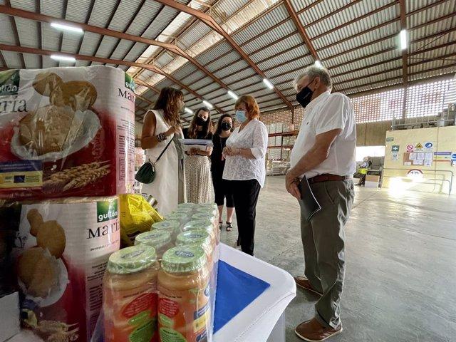 Calero visita el Centre d'Emmagatzematge i Distribució de La Pobla de Vallbona