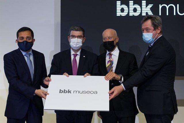 Xabier Sagredo, Juan Mari Aburto, Norman Foster y Bingen Zupiria, en la firma del convenio.