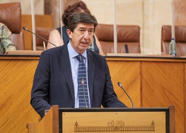 El vicepresidente de la Junta de Andalucía, Juan Marín, interviene en el Pleno del Parlamento.