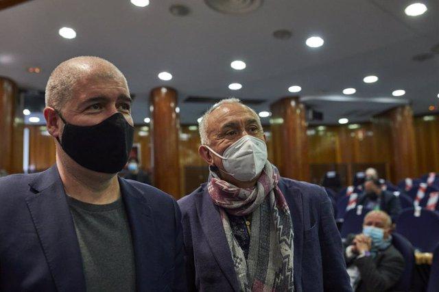 Archivo - Arxivo - El secretari general de CCOO, Unai Sord (i), i el secretari general d'UGT, Pepe Álvarez, durant el traspàs de carteres ministerials, a Madrid (Espanya), a 31 de març de 2021.