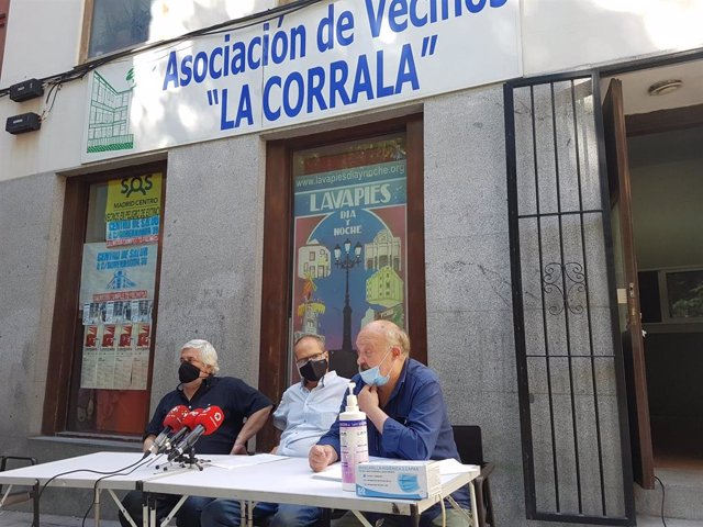 """Asociaciones vecinales denunciarán a la Comunidad por """"inacción"""" ante 34 viviendas de usos turísticos en Centro"""