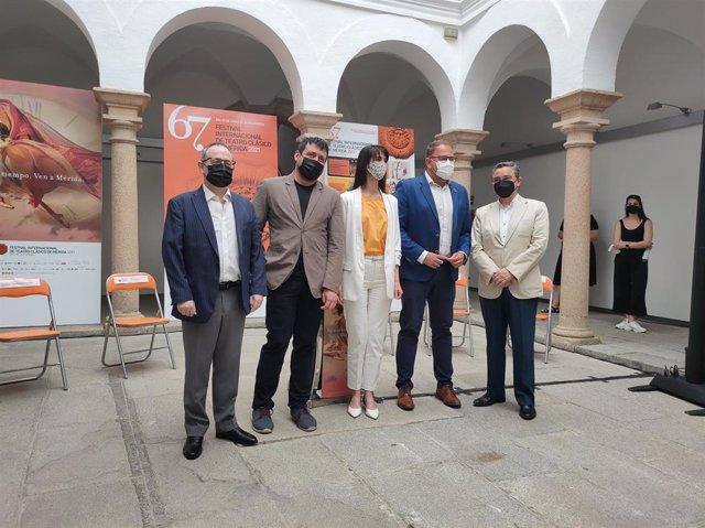 Cimarro, Francés, García Cabezas, Rodríguez Osuna y Mendoza, en la presentación del concierto.