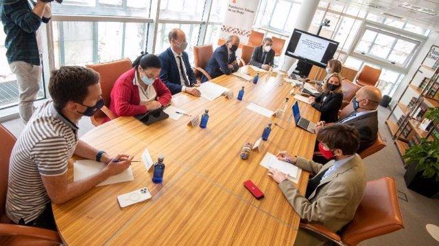 El consejero de Servicios Sociales, Pablo Rubio, ha presidido la reunión del Patronato de la Fundación Tutelar de La Rioja.