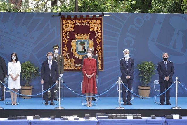 Foto de familia durante el evento celebrado con motivo del día de 'San Juan Bautista. Patrón de la Policía Municipal de Madrid, a 24 de junio de 2021, en Madrid (España).