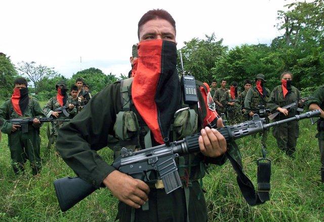 Archivo - Guerrilleros del Ejército de Liberación Nacional (ELN) colombiano,