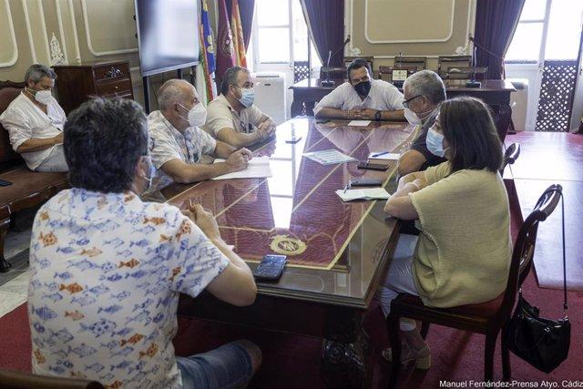 El alcalde de Cádiz reunido con sindicatos por Airbus