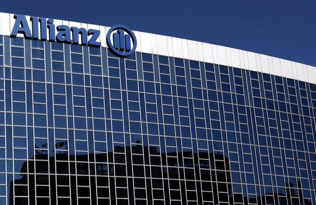 Archivo - Fachada de la sede de la empresa de seguros Allianz en Madrid, a 21 de febrero de 2020.
